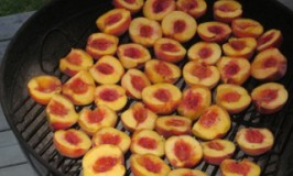 Delicious grilled peaches